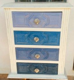 bedside-table-in-blues