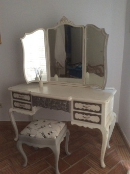 Up-cycled furniture pictures-06