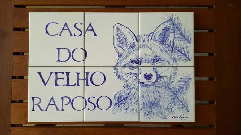 velho raposo - tile pannel