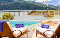 holiday-rental-villa-private-infinity-pool-11