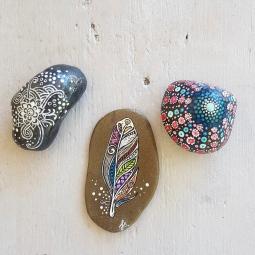 'handpainted small stones boho' © Free Spirits Artworks