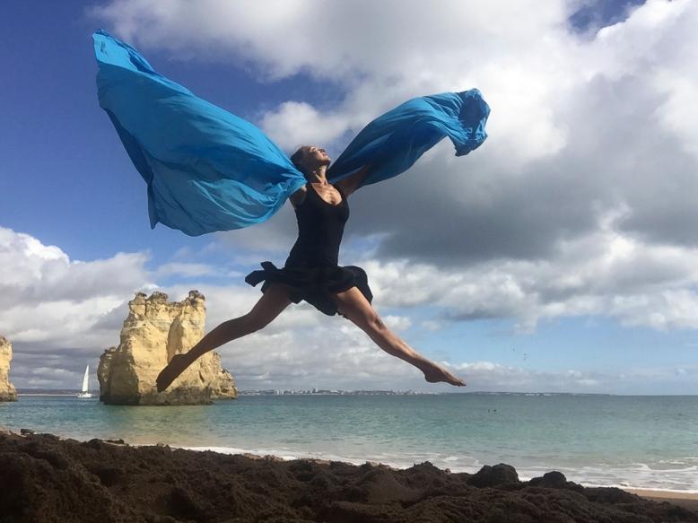Dance in Nature in Algarve 1 © Alexandra Fadin